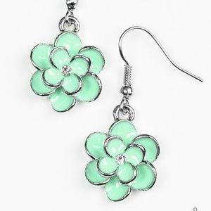 Merry Meadows Green Earrings